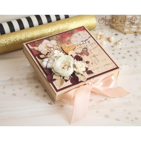 Подарочный сертификат в коробочке с откидной крышкой