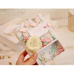 Мятно-персиковая коробочка для денежного подарка с открыткой и подарочным пакетом на свадьбу